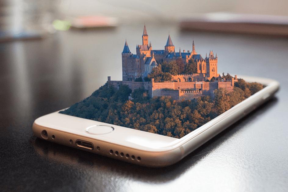 Smartphone mit Burg als Beispiel für Augmented Reality